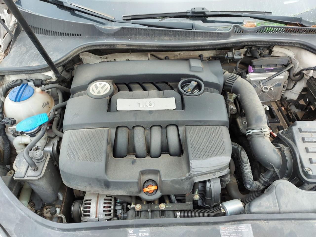Volkswagen Golf 5 1.6sr tip BSE , cutie de viteze manuala 5+1trepte