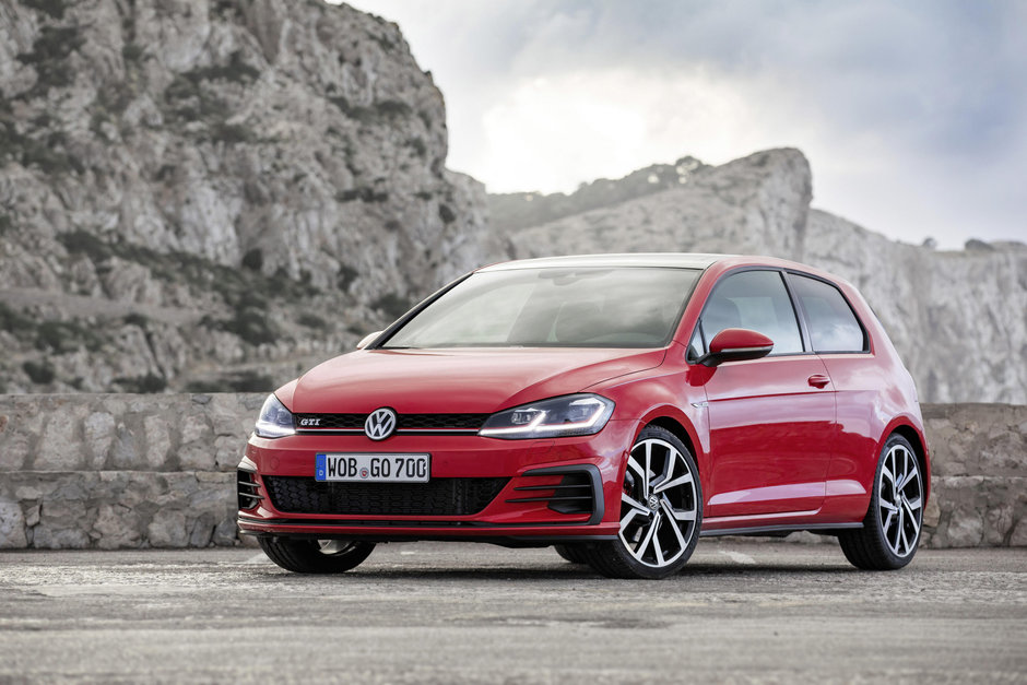 Volkswagen Golf GTI si GTI Performance