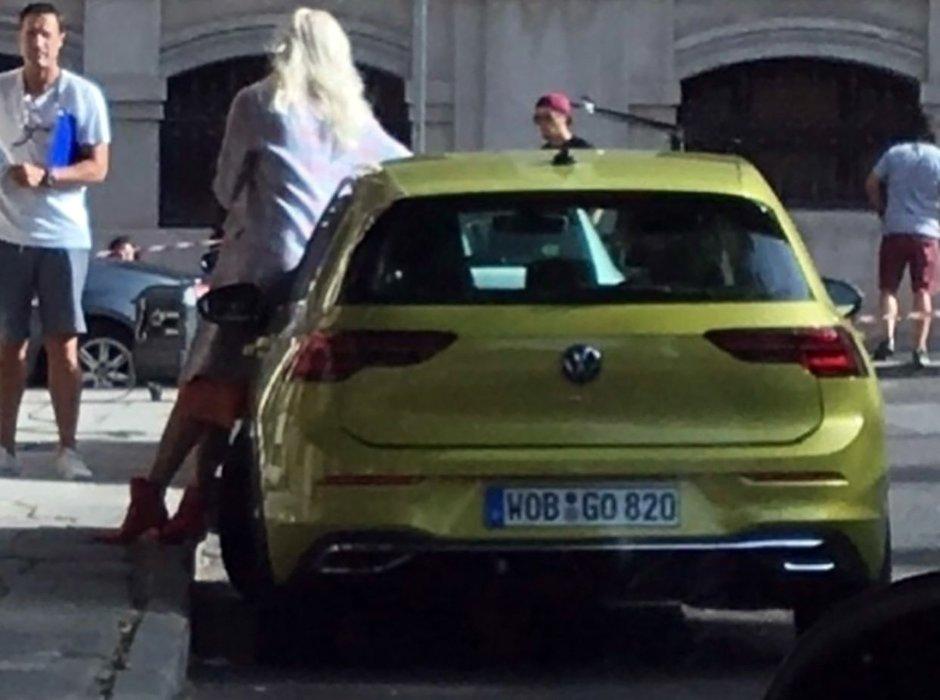 Volkswagen Golf necamuflat
