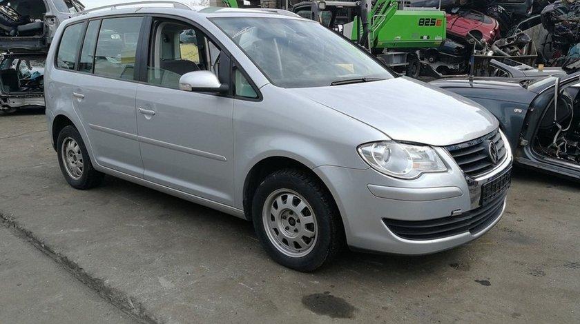 Volkswagen Touran facelift (dezmembrari auto)
