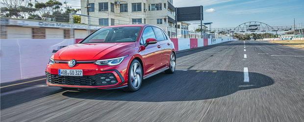 Volkswagen vrea sa te faca sa uiti de tot ce inseamna alternativa si publica noi imagini oficiale cu ultimul Golf GTI