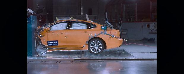 Volvo ne arata cum se comporta noul S90 in cazul unui impact la 64 km/h