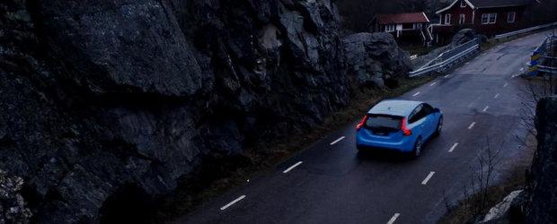 Volvo prezinta in actiune noile S60 si V60 Polestar