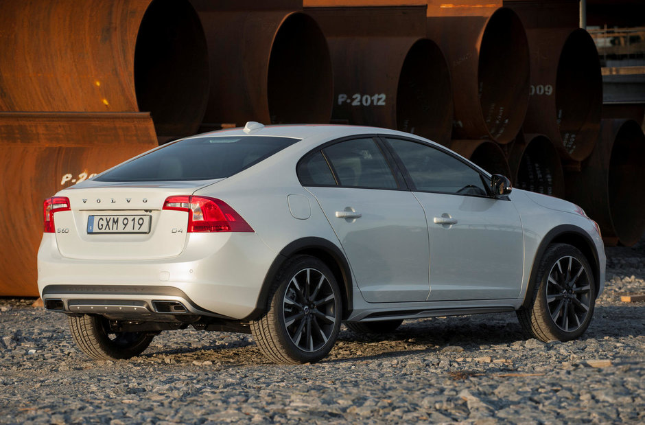 Volvo S60 Cross Country - Galerie Foto