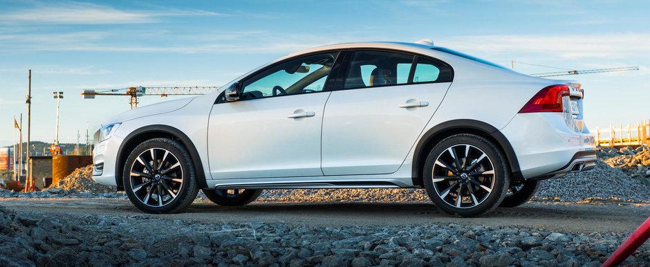 Volvo S60 Cross Country se lanseaza in Romania. Cat costa ciudatul model suedez