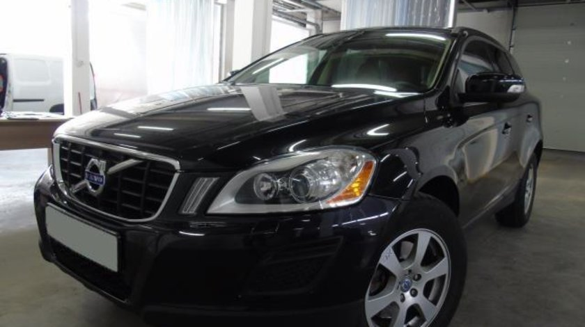 Volvo XC 60 Kinetic 2.4 D5 AWD 215 CP automatic 6+1 2013