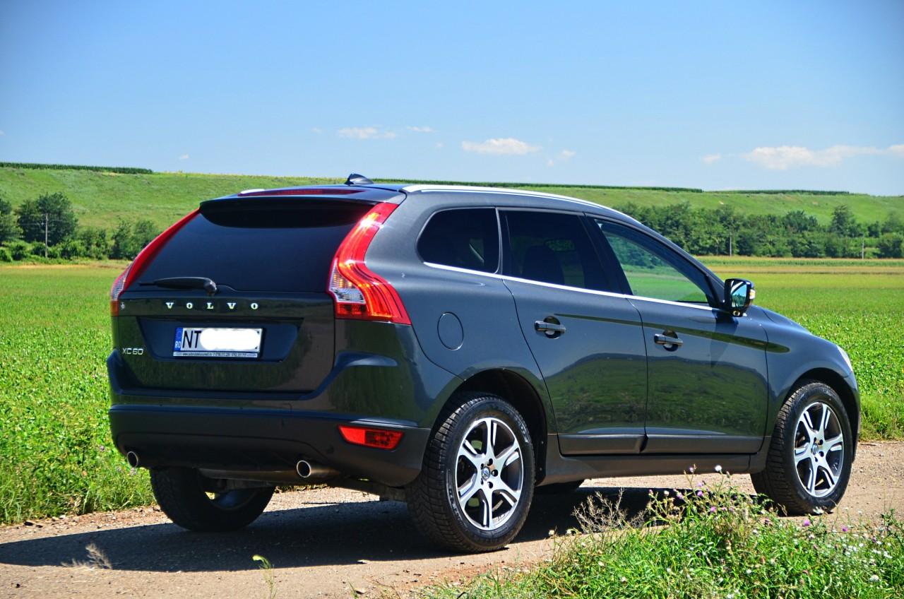 Volvo XC 60 YV1DZ8054B2182917 2011
