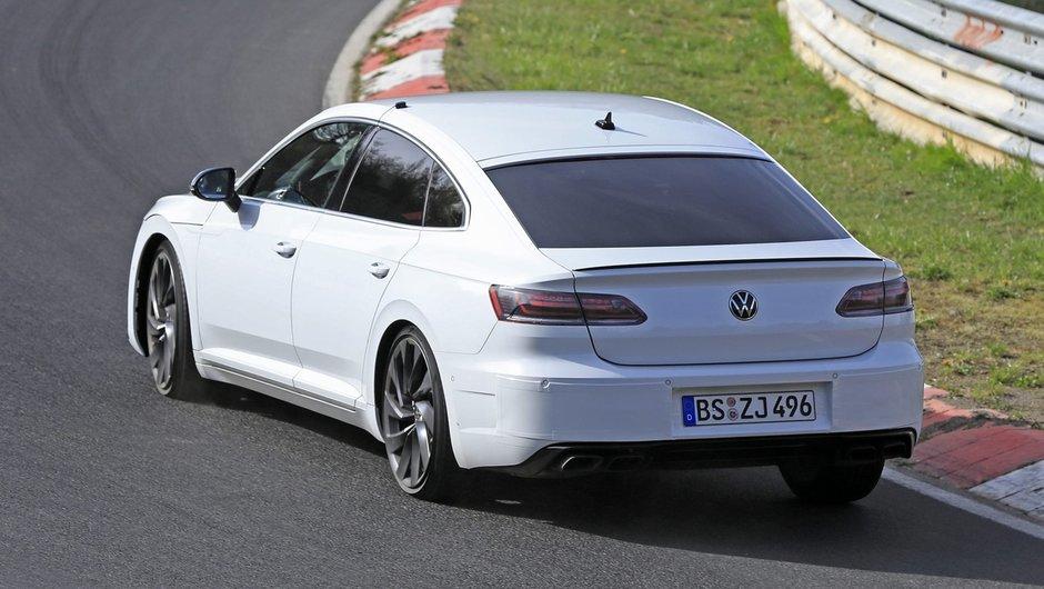 VW Arteon R necamuflat