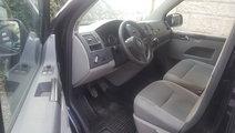 VW Caravelle 2.0 TDi 140 CP 2012