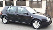 VW Golf 1.6 benzina 2002
