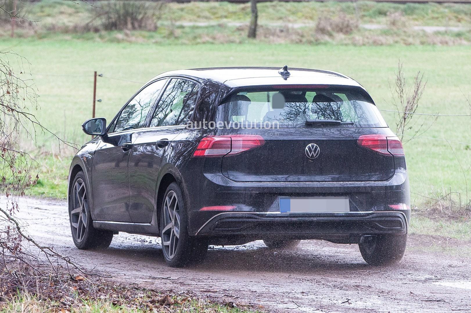 VW Golf 8- poze spion - VW Golf 8- poze spion