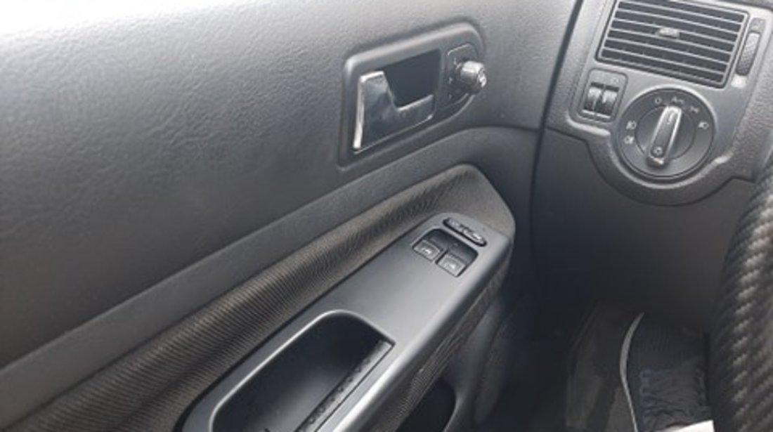 VW Golf axp 2002