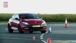 VW Golf GTI vs Renault Megane RS: Cine castiga batalia hot-hatch-urilor?