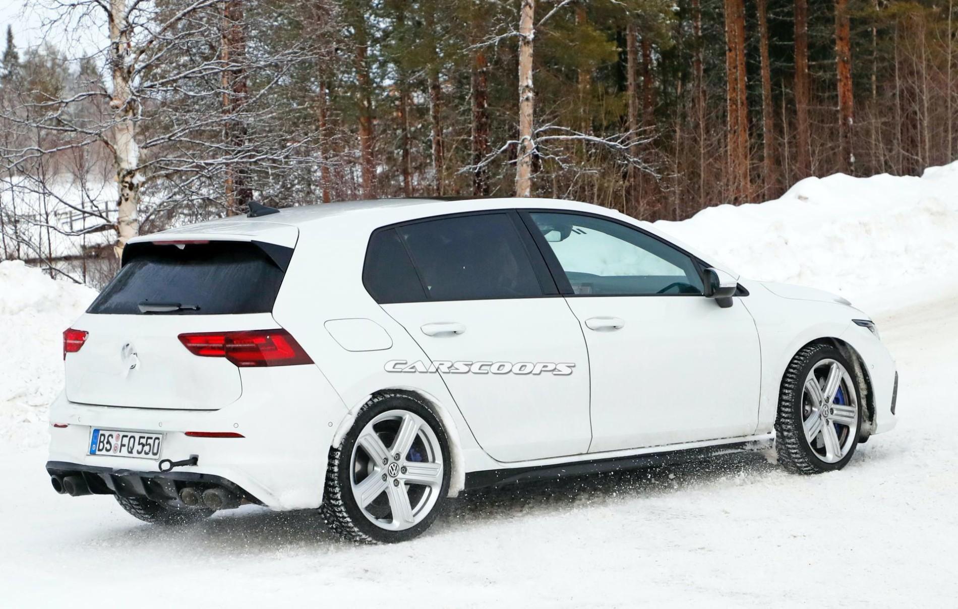 VW Golf R-poze spion - VW Golf R-poze spion