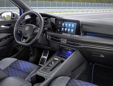 VW Golf R Variant - Galerie foto