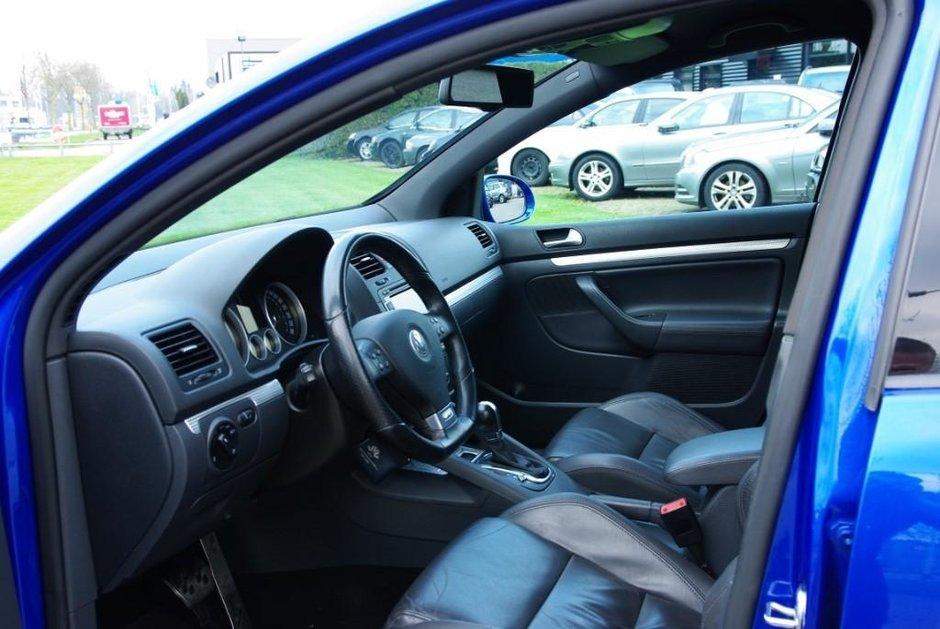 VW Golf R32 de 547 CP