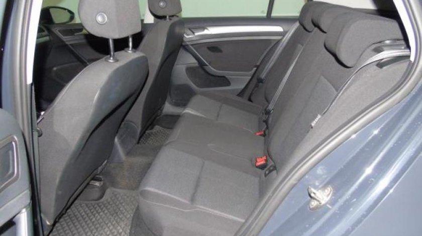 VW Golf VII 1.6 TDI BlueMotion Technology Trendline 105 CPStart/Stop 2013