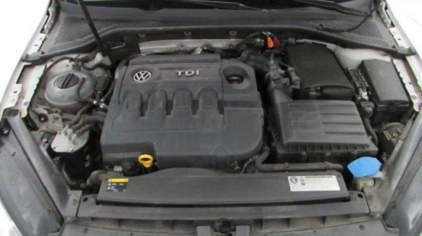 VW Golf VII 1.6 TDI BlueMotion Technology Trendline 105 CP 2013