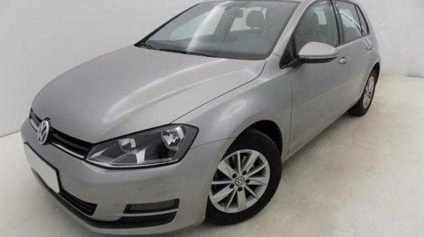 VW Golf VII 1.6 TDI BlueMotion Technology Comfortline 105 CP 2013