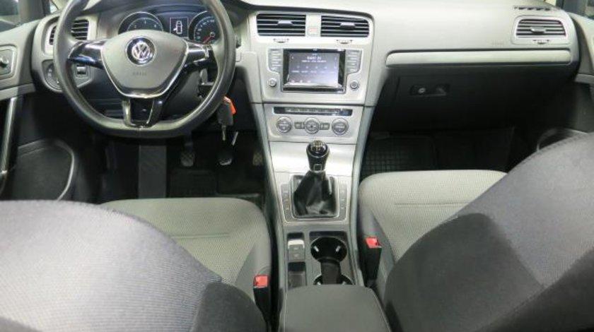 VW Golf VII Comfortline 1.6 TDI DPF BlueMotion Tehnology 105 CP M5 Start&Stop 2013