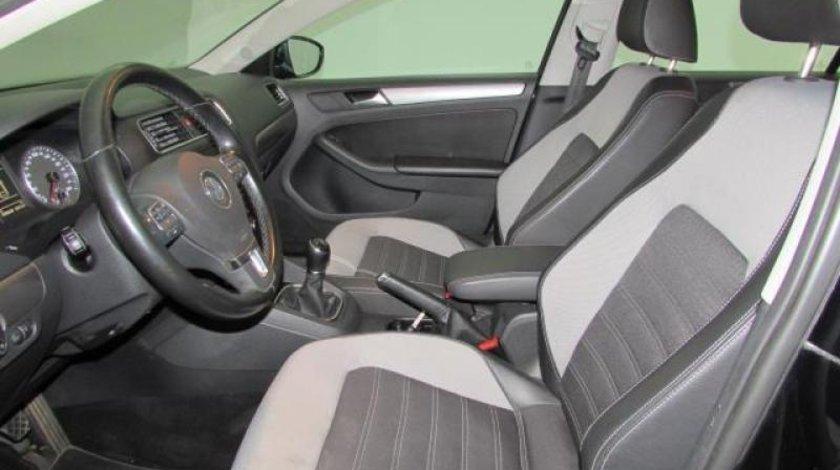 VW Jetta 2.0 TDI Highline 140 CP 2012