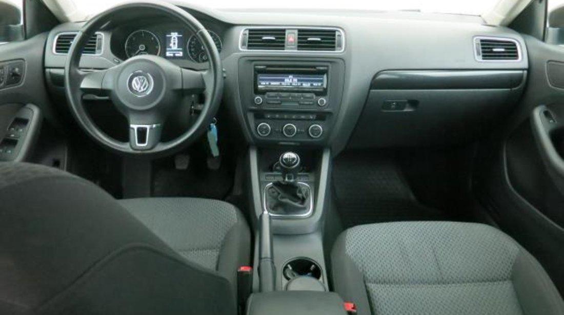 VW Jetta CL 1.6 TDI 105 CP M6 2012