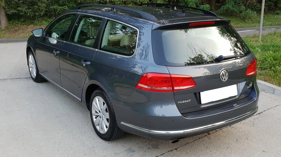 VW Passat 1,6 TDI 105 cp full options fab. 2011