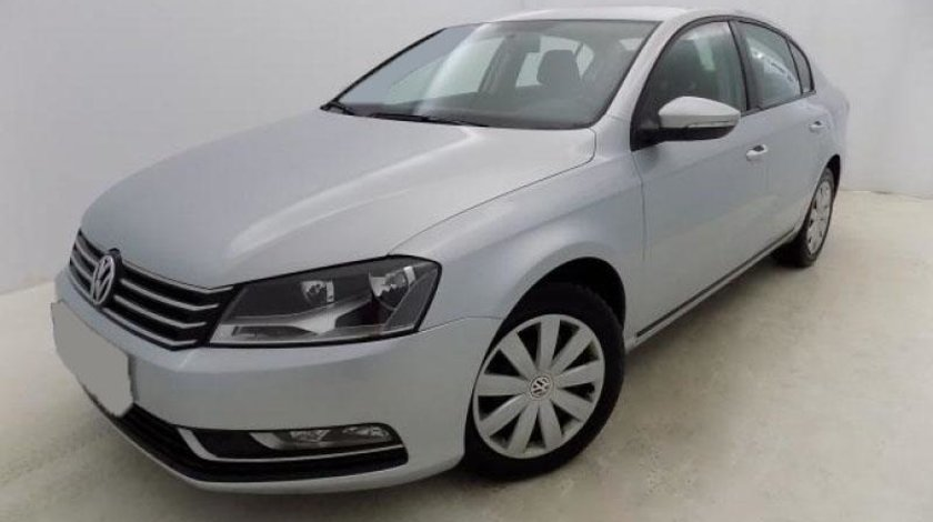 VW Passat 2.0 TDI BlueMotion Technology Trendline 140 CP Start/Stop 2012