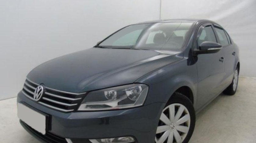 VW Passat 2.0 TDI BlueMotion Technology Trendline 140 CP Start/Stop 2013