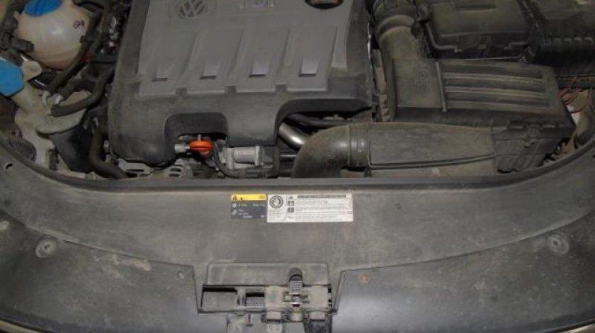 VW Passat 2.0 TDI BlueMotion Technology Comfortline 140 CP Start/Stop 2012