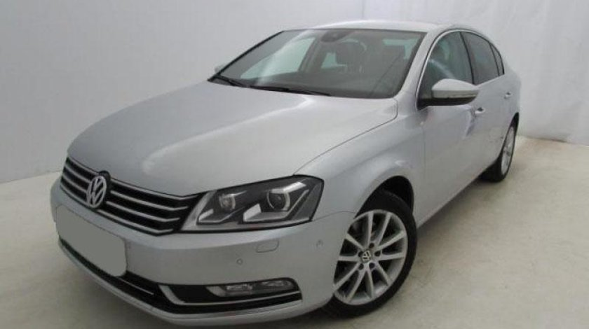 VW Passat 2.0 TDI DSG 6+1 BlueMotion Technology Highline 140 CP Start/Stop 2012