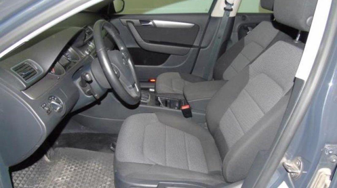 VW Passat 2.0 TDI DSG 6+1 BlueMotion Technology Comfortline 140 CP Start/Stop 2013