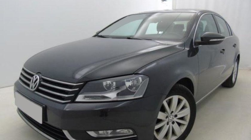 VW Passat 2.0 TDI DSG 6+1 BlueMotion Technology Comfortline 140 CP Start/Stop 2013