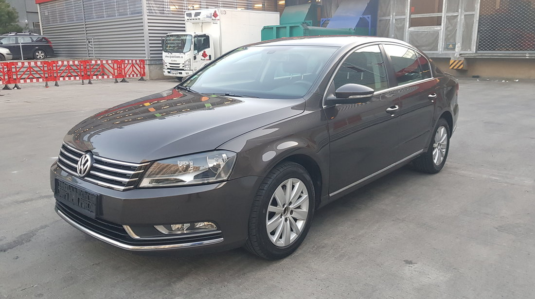 vw passat blue motion 2013 22068916