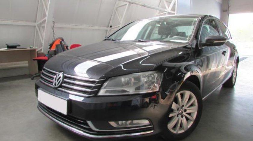 VW Passat CL 2.0 TDI BlueMotion Technology 140 CP Start&Stop 2012