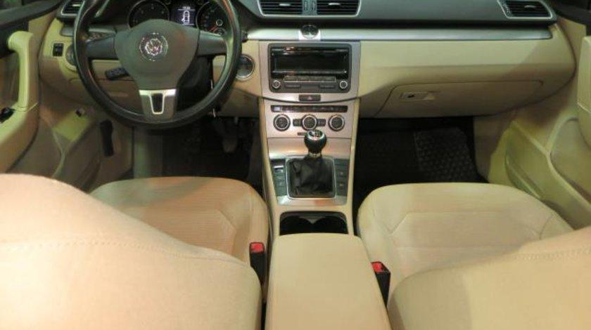 VW Passat Comfortline 1.6 TDI 105 CP Start&Stop 2012