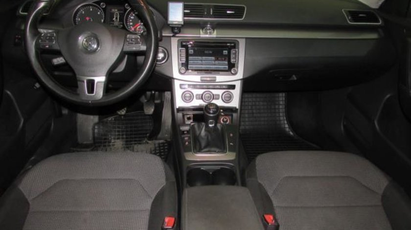 VW Passat Comfortline BlueMotion 2.0 TDI 140 CP M6 2012