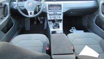 VW Passat Comfortline BlueMotion 2.0 TDI 140 CP M6...