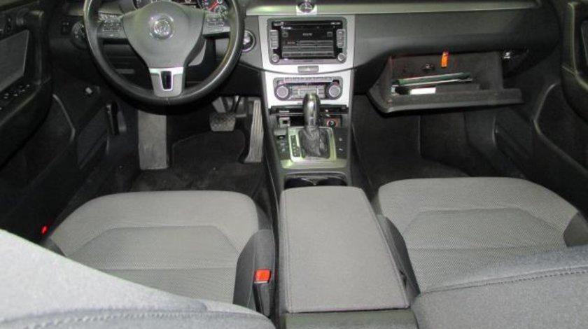VW Passat Comfortline BlueMotion 2.0 TDI 140 CP DSG 6+1 Start&Stop 2012
