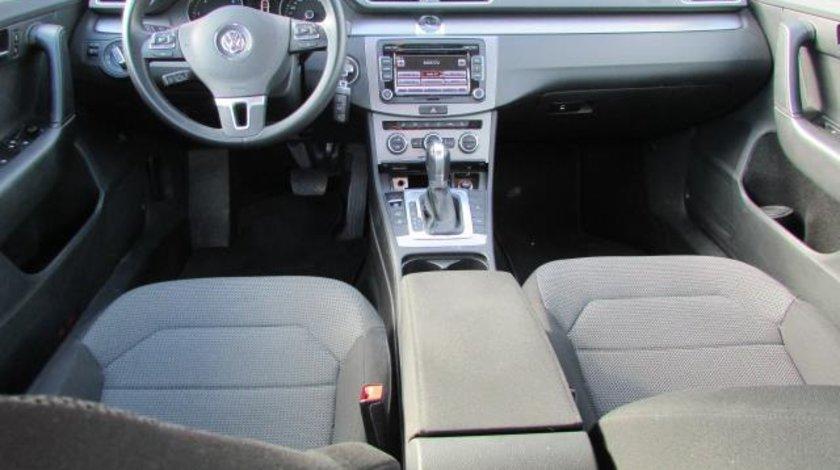 VW Passat Comfortline BlueMotion 2.0 TDI 140 CP DSG 6+1 Start&Stop 2013