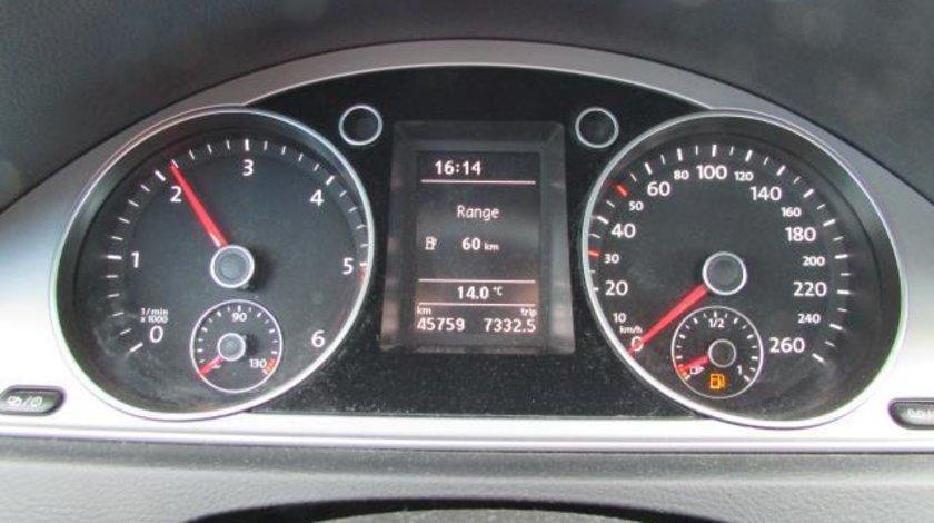 VW Passat Trendline BlueMotion 1.6 TDI 105 CP M6 Start&Stop 2012