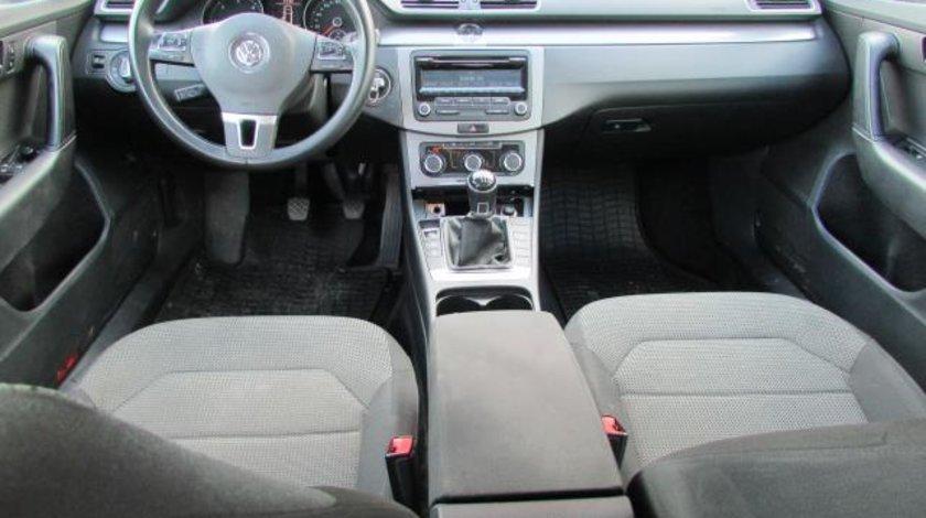 VW Passat Variant B7 BMT 2.0 TDI CR 140 CP M6 Start&Stop 2012