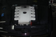 VW Phaeton  by Ciprian
