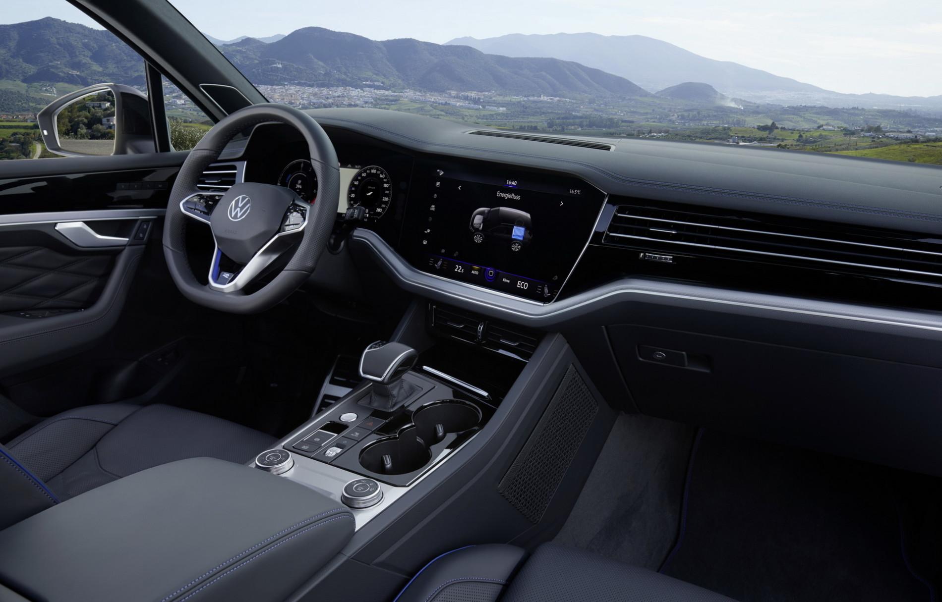 VW Touareg eHybrid si Touareg R - VW Touareg eHybrid si Touareg R