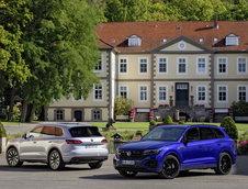 VW Touareg eHybrid si Touareg R