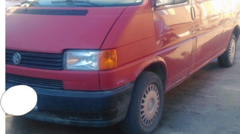 VW Transporter 4